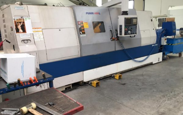 Used Daewoo Puma 400L CNC Lathe with fixed tools M1903191118 1